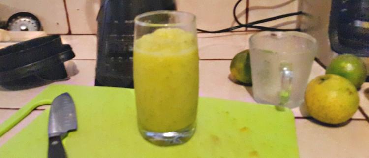 deliciosa limonada con una licuadora